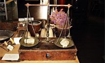Athenaeum Collection - A set of Gold Weighing Scales from the Gold Rush Era